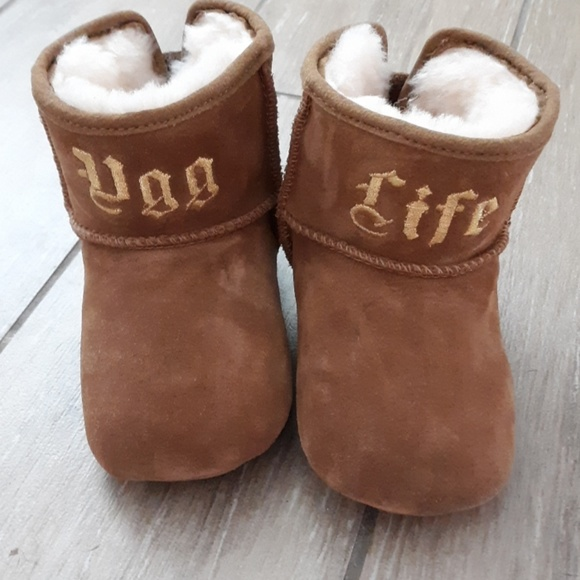 02b47c16d7c Ugg life+jeremy Scott embroidered brown boots NWT